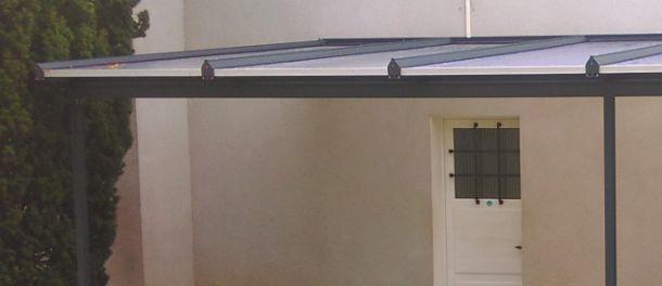 Vente de fermetures de terrasses et d\'avancées